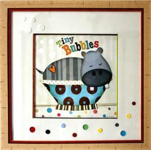 Encadrement poster fantaisie avec hippopotame. Passe-partout fantaisie embossage et formes de cercle en creux. biseau droits différentes couleurs. Baguette beige et rouge